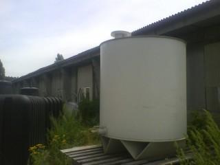 Kulaté plastové nádrže na pitnou vodu