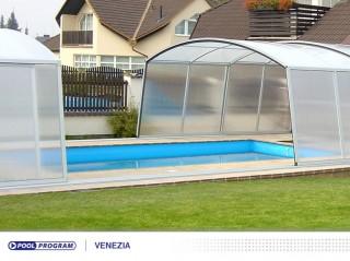 dvoudílné zastřešení bazénu