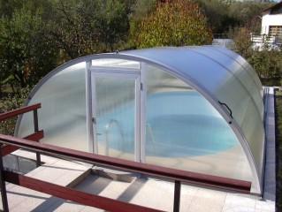 klasické zastřešení bazénu