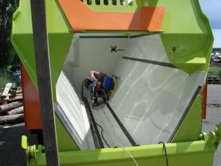 Vložkování krmných vozů a další zemědělské techniky