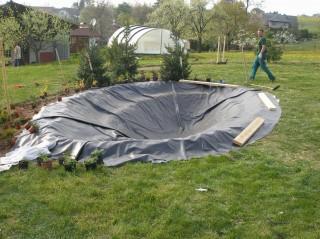 Svařované fólie a plasty - izolace zahradních jezírek
