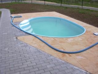 plastové bazény s atypickým tvarem